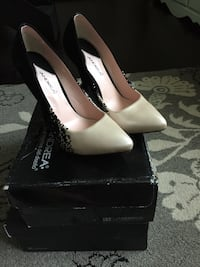 2 pair of women's shoes. Size 6.5 & 7. San Diego, 92139