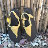 Yellow Sandals Paso Robles, 93446