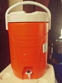 Rubbermaid Beverage Cooler Brant, N0E 1R0