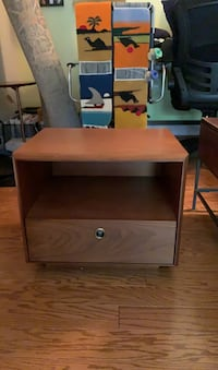 West Elm Bedside Table perfect condition Arlington, 22201