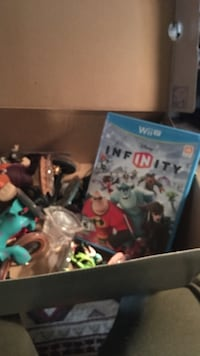 Disney Infinity game WII U plus figures for game Palmyra, 14522