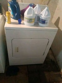 white front-load clothes washer Melvindale, 48122