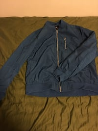 Men's fitted bomber jacket size M. Vancouver, V6P