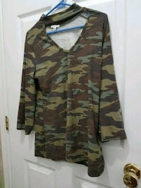 brown and black camouflage v-neck shirt Victoria, V8Z 3Y2