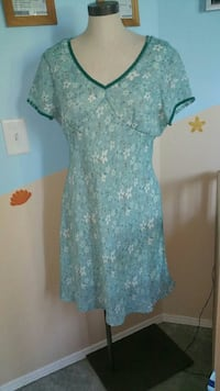 women's blue and white floral dress