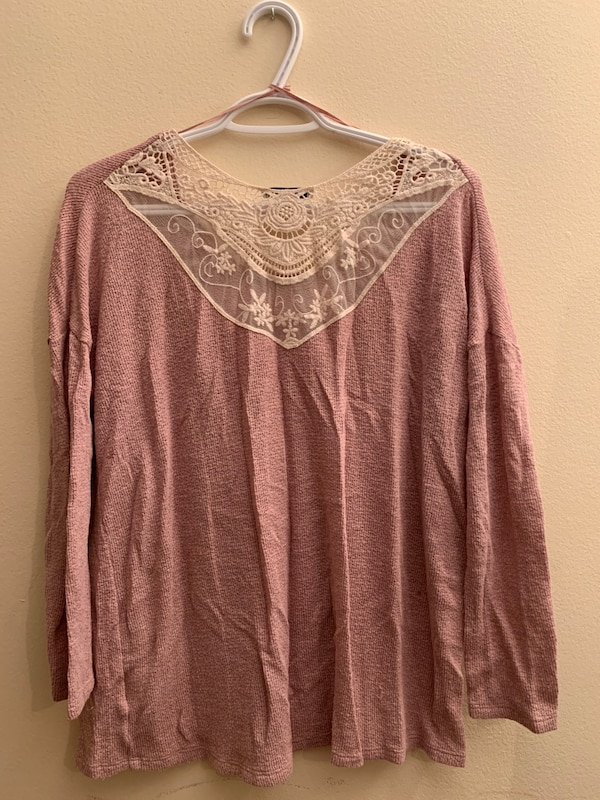 American Eagle Outfitters (Size M) 502a79fb-d239-4a8d-9651-a79a7512b380