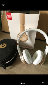 Beat SOLO3 wireless headphones
