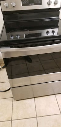 Amana electric stove  Pikesville, 21208