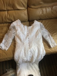 White lace long-sleeved wedding dress St Catharines, L2N 4R4