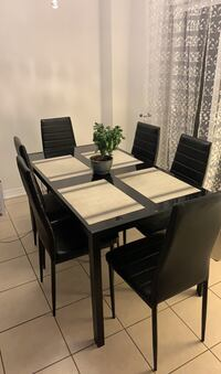 """Dinning table with six chairs excellent condition 55""""x31"""" Milton, L9T 5G3"""