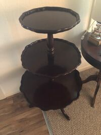 Mid 1800s 3-tier piecrust (dumb waiter) stand