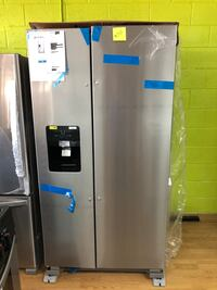 BRAND NEW Whirlpool stainless steel side by side refrigerator  Woodbridge, 22191