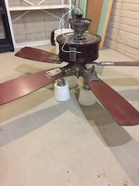 Nice ceiling fan with lights Orrville, 44667