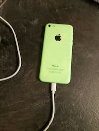 iPhone 5c working Needs Screen unlocked  Kitchener, N2R 1Y6