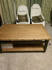 Lift up table on wheels