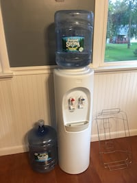 Hot and cold Bottled water cooler Newburgh, 12550