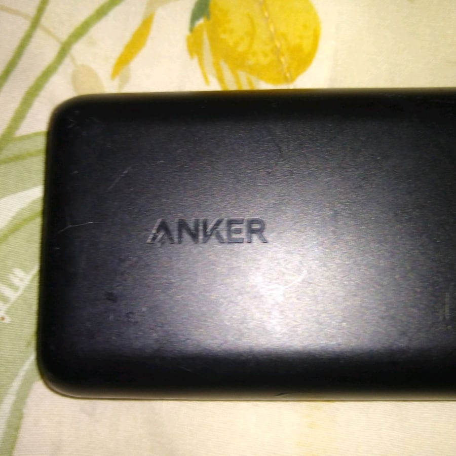 ANKER 20,000mah battery bank/ portable charger wit 2