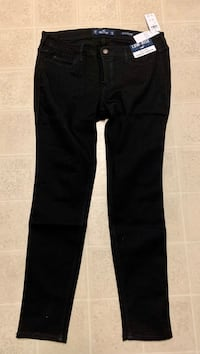 New Hollister black low rise jeans Kelowna, V1X 1Y9