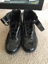 Black Pradas Sz 10 Laurel, 20708