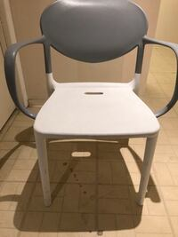 New chairs good for indoor or outdoors Toronto, M5P 2K9