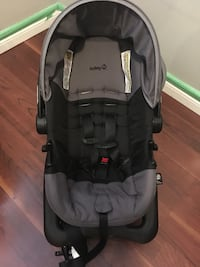 baby's black and gray car seat carrier Brantford, N3T 6K8