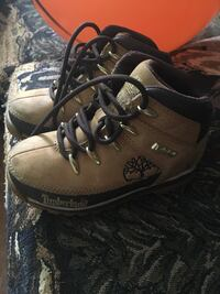 pair of brown leather work boots Winnipeg, R2M 3G5