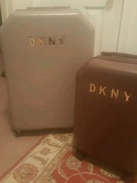 2 brandnew suitcases.,only used once