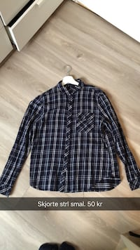 svart og hvit plaid button-up langermet skjorte Tønsberg, 3114