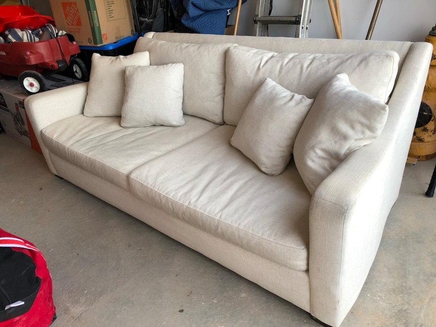 used verano sofa from crate and barrel for sale in milton letgo rh gb letgo com