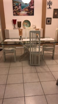 Dinning table Coral Springs, 33065