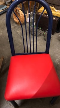 2 metal chairs good condition. Nice Clarksville, 37040