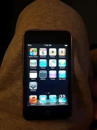 Mint condish itouch, 2,or3 gen, 300+songs, Anchorage, 99503