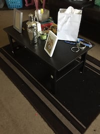 Coffee table and matching rug!!!  290 mi