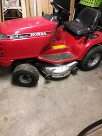 red and black Murray ride on lawn mower Sycamore, 60178