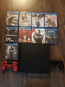 PS4 500GB WITH GAMES, 2 CONTROLLERS