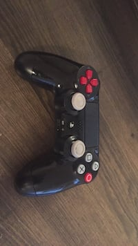 Black sony ps4 game controller New Orleans, 70122