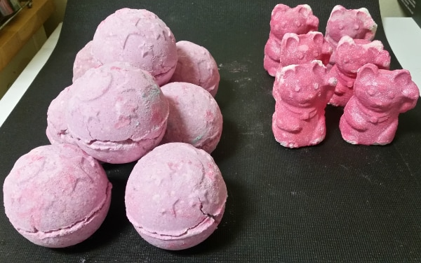 Lush Bath Bombs/Gift Sets 1