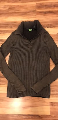 black and gray striped long-sleeved shirt Gaithersburg, 20877