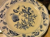 Blue white collectors vintage plates Leeds, 35094