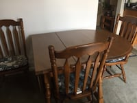 Dining table and hutch Thurmont