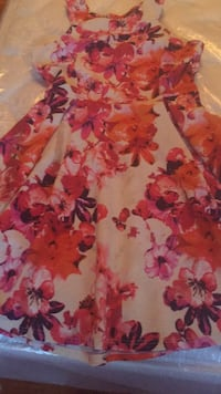 red and white floral spaghetti strap dress Vaughan, L4L 4J3