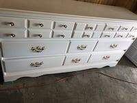 6 drawer dresser real wood! Edmonton, T5N 3L7