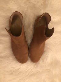 Lands End brown booties Toronto, M4C 5B8