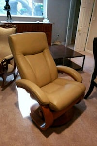 Scandanavian leather recliner Falls Church, 22046