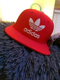 red and white Adidas cap Des Moines, 50312