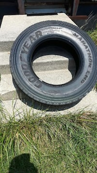 Semi truck tire  Saint Thomas, N5R 5Y6