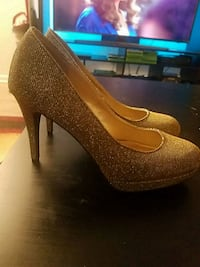 Closed toed heels (sparkly)
