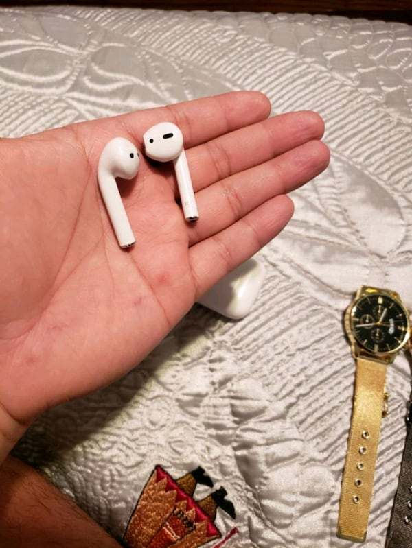 Airpods 0