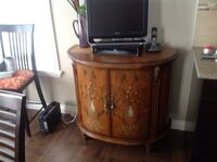 Beautiful hand-painted console paid 2800.00 taking offer mint condition from a smoke free pet free home 3123 km