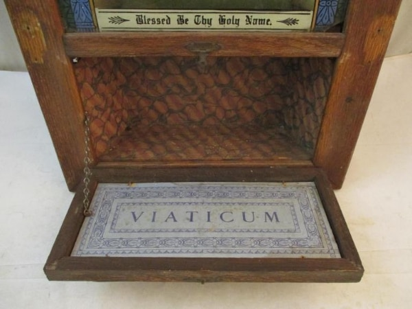 Antique Catholic Last Rites Communion Wood Shadow Box. 8b9099a2-bd92-4f00-9270-868a948f0779